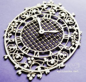 BLUEBERRY SWIRLS - clock